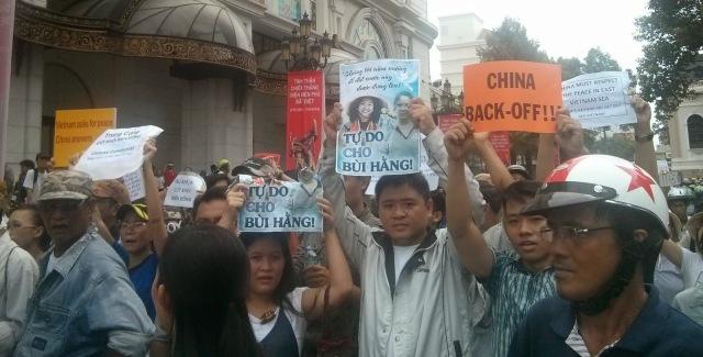 http://changevietnam.files.wordpress.com/2014/09/a11a6-sg-may11-danlambao18.jpg